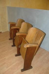 Sedie Da Cinema In Legno.Sedie Da Cinema In Legno 1 Tre Posti Emporium 1919