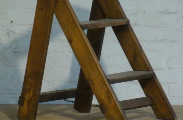 Scaletta In Legno Pieghevole : Scaletta pieghevole legno emporium